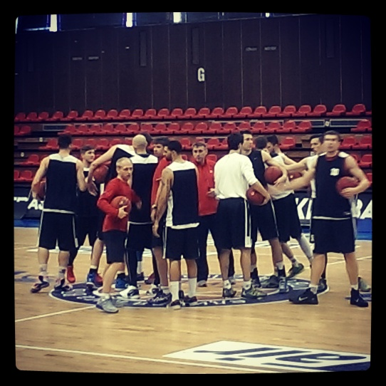 CEZ Nymburk huddle on gameday
